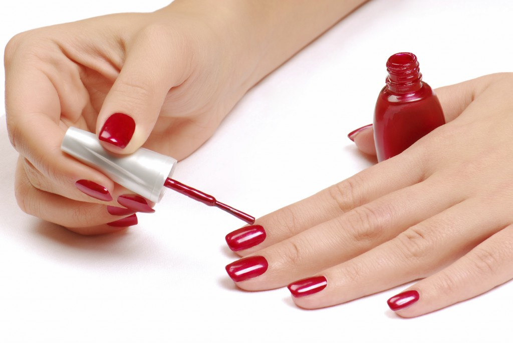 How to Use Nail Polish
